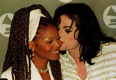 http://whcr.files.wordpress.com/2009/09/janet-jackson-michael-jackson.jpg